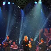Mairead Ni Mhaonaigh singing with The Celts at The Ryman Auditorium